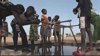 Hundreds Of South Sudan Refugees Flee To Uganda
